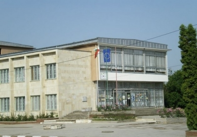 Кметството в Софрониево също е на тезгяха.
