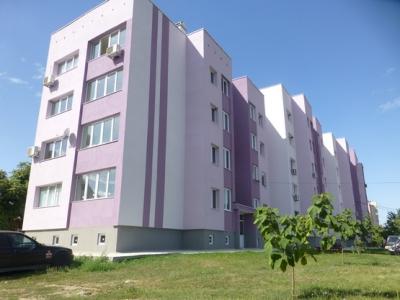 Един от 6-те модерни блока след санирането.