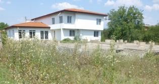 Недовършените детски центрове грозят Махалата, а общината трябва да плаща за грешките на предишните управляващи