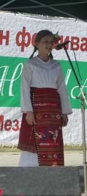 Малката певица Ния Петкова от Царевец заслужено спечели първо място при индивидуалните изпълнители