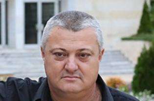 Кметът Тодор Алексиев е радетел за оживяването на храма.