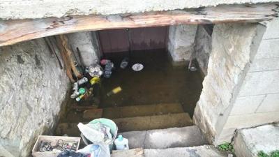 Мазета и приземни етажи в Хайредин станаха басейни.