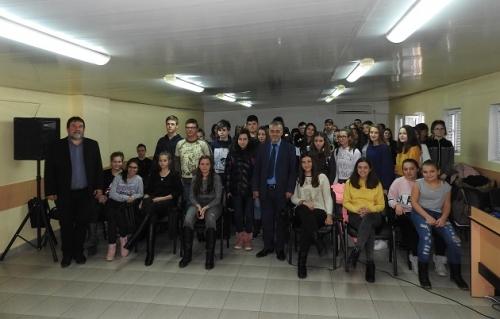 """Евродепутат посети СУ """"Васил Кънчов"""" –Враца"""