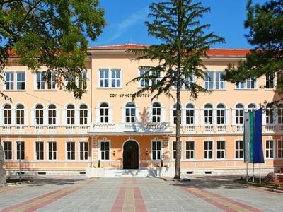 Прокурор и PR станаха учители във Враца