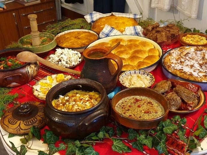 Кулинарна изложба с ястия от Възраждането бяха наредили върбичени