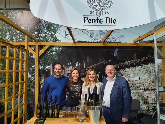 Семейство Цолови, които стоят зад бранда бутикови вина Ponte Dio