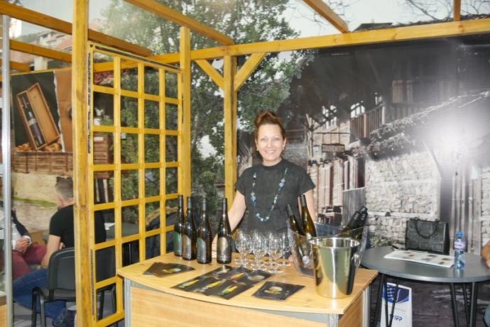 Стилен щанд представи за първи път бутиковите вина от Враца